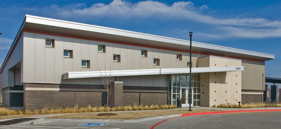 Hollabaugh Recreation Center exterior of building